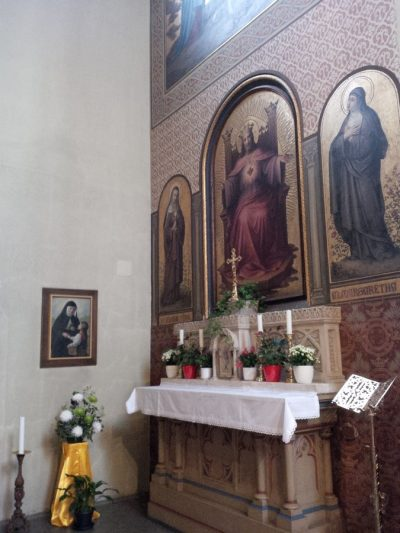 OR-IT motherhouse chapel, side altar, Vienna, Austria